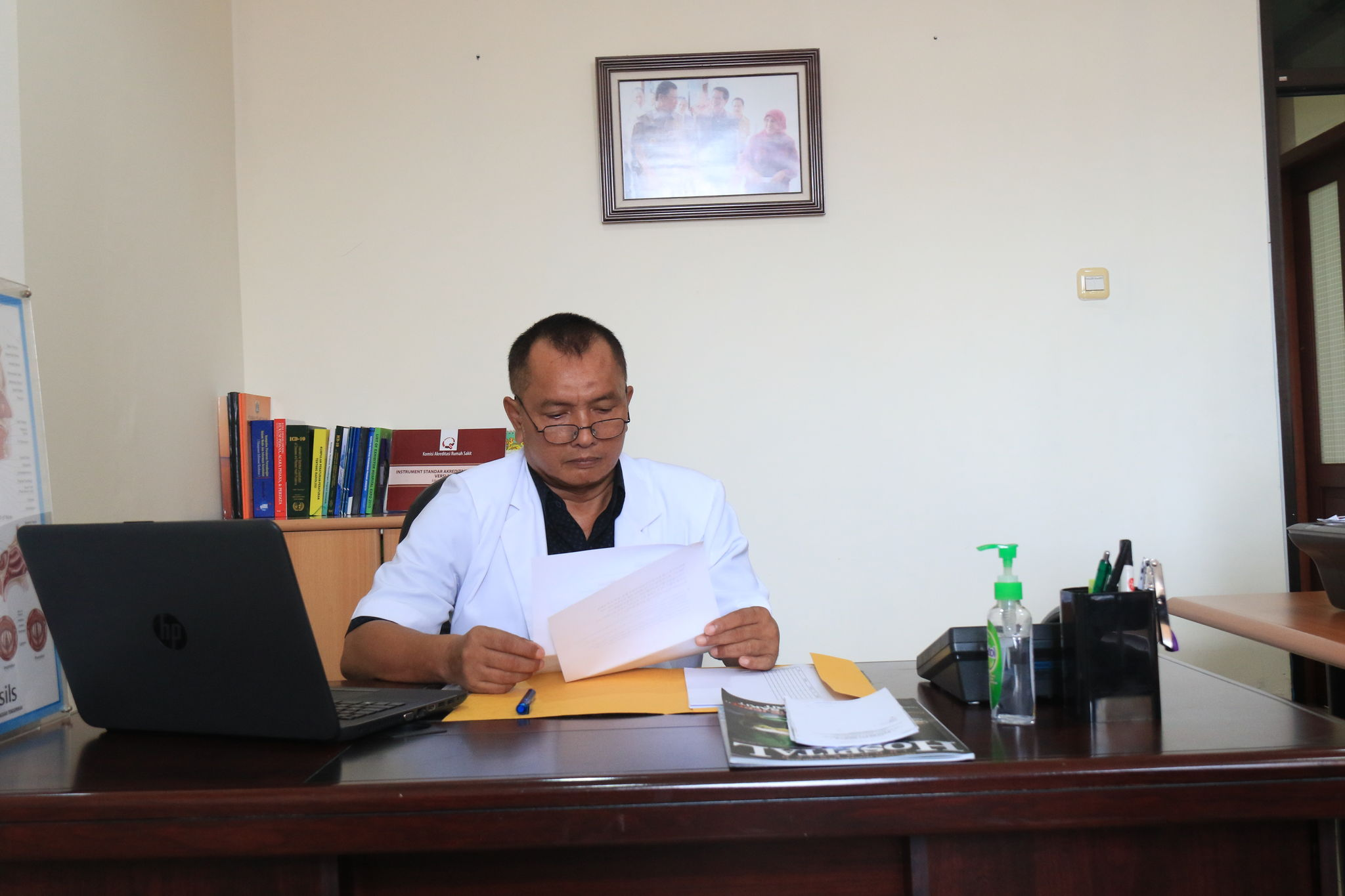 dr Edeng Rachmat  M.M