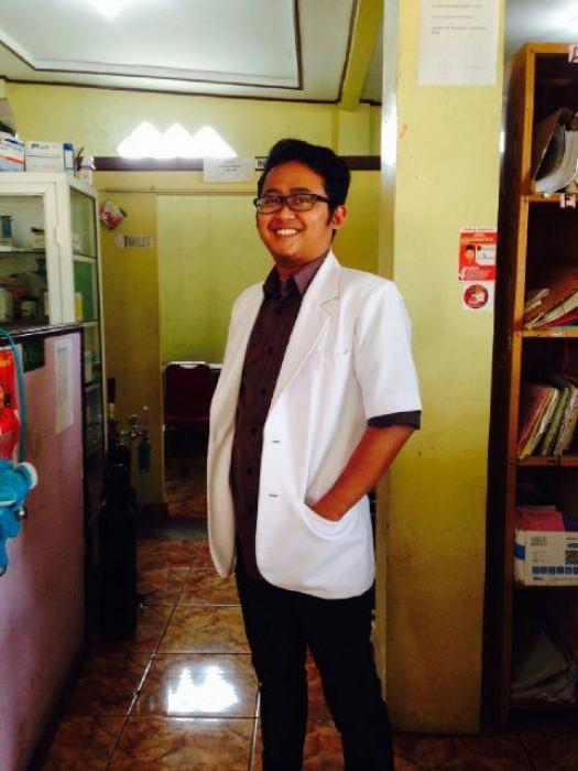 dr Piet Yuliarpan